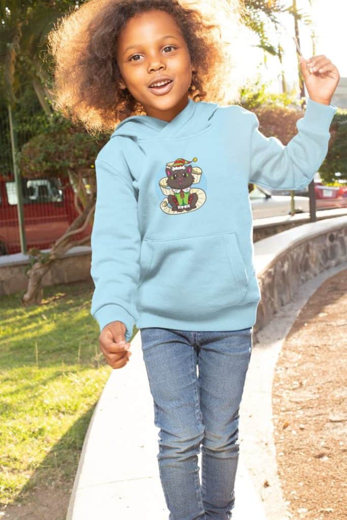 pullover hoodie mockup of a girl with natural hair at a park